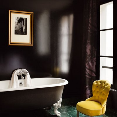 Black and white pictures for bathroom